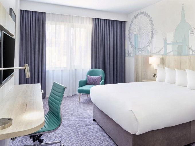 Jurys Inn bedroom